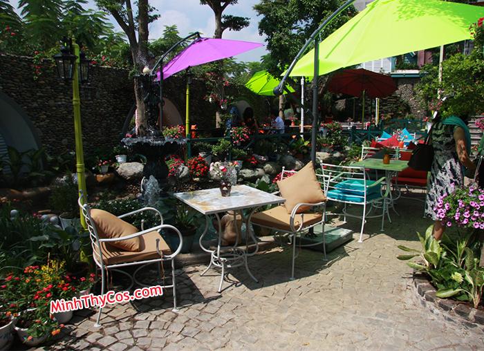 Cafe Lâu Đài Phố